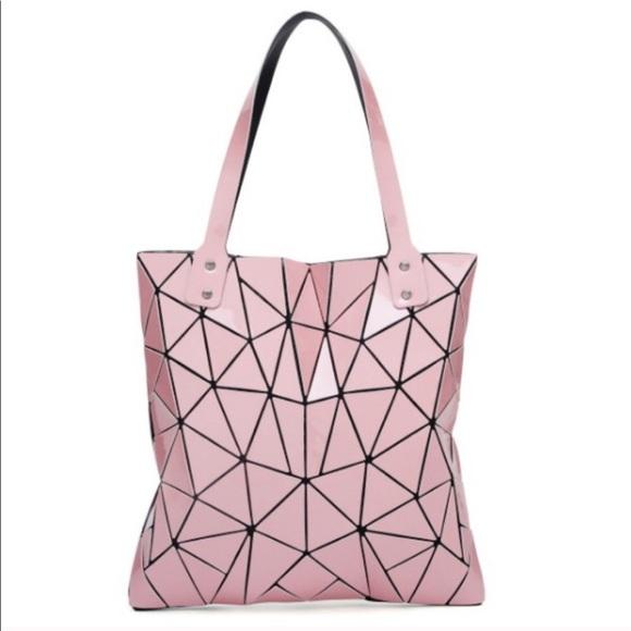 Handbags - Sale! 🏦Geometric purse adorable and durable